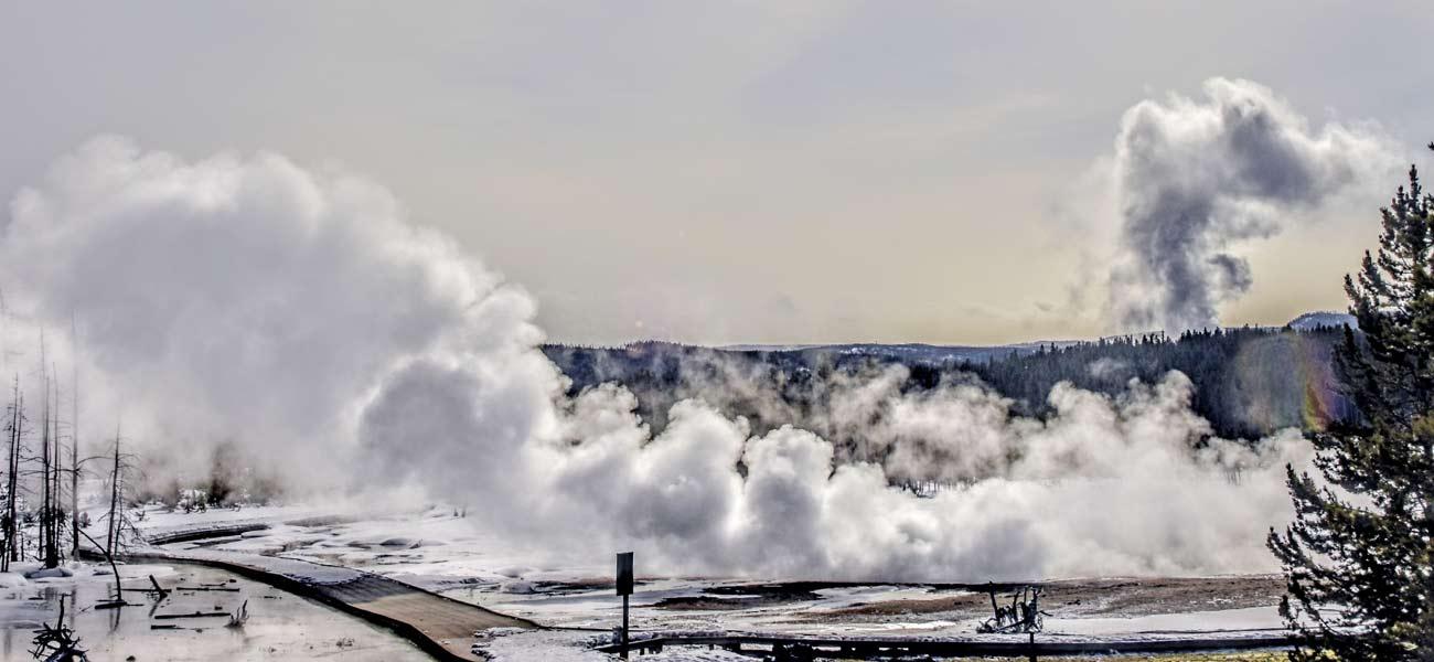 Yellowstone National Park is a true winter wonderland. Bucket list travel. Best winter destinations.